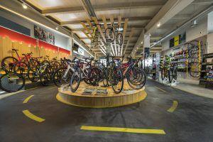 Bikesupport tienda de bicicletas y ciclismo en Madrid. Imagen de exposición
