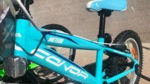 Parte de bicicleta azul